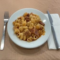https://www.parrilladarevolta.com/184-thickbox_default/macarrones-con-chorizo-y-bacon.jpg
