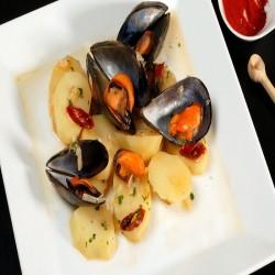 https://www.parrilladarevolta.com/237-thickbox_default/mejillones-con-patatas.jpg